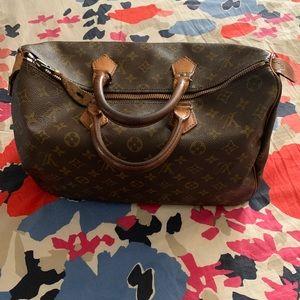 Authentic Louis Vuitton Speedy 35🥰